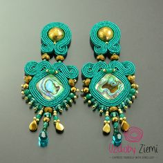 Emarald gold soutache earrings, green soutache earrings, greenery earrings, gift for mother, sparkling earrings unique d'oreilles soutache by OzdobyZiemi on Etsy