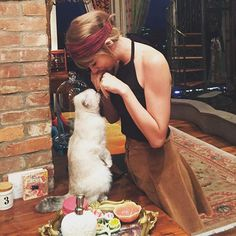 """Pin for Later: These Are the 10 Most """"Liked"""" Celebrity Instagram Photos of 2015 Taylor Swift """"Meerkat Manor."""""""