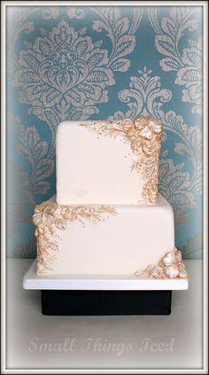 Ivory gold-based cake