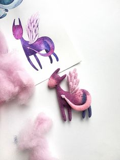 Cute pink dragon from the magic fairytaile✨🐉🌸🔮 Needle Felted, Wet Felting, Felt Diy, Felt Crafts, Needle Felting Supplies, Felt Dragon, Cute Dragons, Felt Animals, Felting Wool Animals