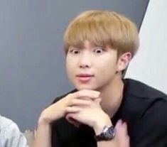 """""""unf spree cos why have so many mutuals when only like 5 interact w me :/ reply with a kpop meme to keep the mutual. people i've talked to are safe but send me memes anyway :)"""" Bts Meme Faces, Memes Funny Faces, Bts Namjoon, Bts Bangtan Boy, Taehyung, Bts Pictures, Reaction Pictures, Photos, Foto Meme"""