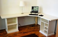 The good news is that there are many DIY options out there for a DIY computer desk | #Computer+Desk Ideas