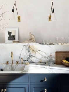 Home Interior Colors Athena Calderone's 36 Must-Have Kitchen Essentials Are Stylish and Practical.Home Interior Colors Athena Calderone's 36 Must-Have Kitchen Essentials Are Stylish and Practical Farmhouse Style Kitchen, Modern Farmhouse Kitchens, New Kitchen, Home Kitchens, Kitchen Decor, Kitchen Ideas, Awesome Kitchen, Beautiful Kitchen, Kitchen Inspiration