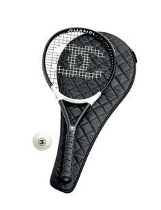 Maybe I'd play tennis with Martijn if I had this.... Still be terrible but feel much better about that....