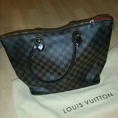 AUTHENTIC LV Saleya MM preloved Saleya MM bag in ebene damier print. please note it is in used condition but still fully functional and has plenty of life left! there are minor wrinkles and cracks on the corner leather area but the bag itself still is gorgeous! will come with dustbag. Louis Vuitton Bags