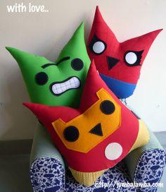 JumbaJamba - Superhero Owl Pillows