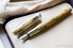 Write like an artist with Visconti Van Gogh Pair of Shoes fountain pen! Each pen is made from uniquely mixed resin and stunning to hold. Pin for later.