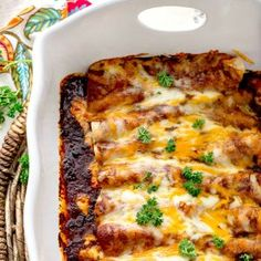 Chicken Enchiladas with Homemade Red Enchilada Sauce is packed full of layers of delicious flavor. From the homemade red enchilada sauce to cooking the chicken in broth with tomatoes,garlic. This is one fantastic recipe! Sauce Enchilada, Homemade Enchilada Sauce, Homemade Enchiladas, Enchilada Recipes, Homemade Sauce, Tostadas, Tacos, Red Enchiladas, Chicken Enchiladas