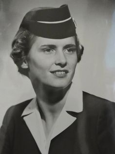 american airlines flight attendant ann nelson 1954pssssst pinterest this bilingual flight attendant jobs