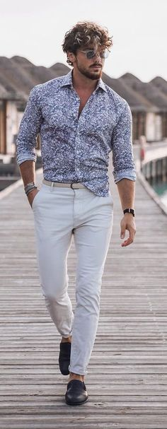 Vacation Style 2021 Cool Hairstyles For Men, Men's Hairstyles, Vacation Style, Vacation Outfits, Beach Images, Face Shapes, Hair Type, Hair Trends, White Jeans