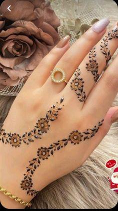 Modern Henna Designs, Floral Henna Designs, Latest Bridal Mehndi Designs, Modern Mehndi Designs, Henna Art Designs, Mehndi Designs For Beginners, Mehndi Designs For Fingers, Dulhan Mehndi Designs, Mehndi Designs For Hands