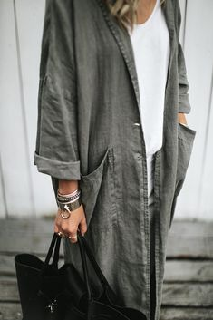 Textil Linen coat linen kimono Seaside Tones The Visible Causes of Water Damage In order to pr Look Fashion, Fashion Brand, Fashion Outfits, Womens Fashion, Fashion Tips, Fashion Design, Fashion Coat, 2000s Fashion, Modest Fashion