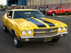 Looks like a Bumblebee edition Chevelle instead of Camaro.