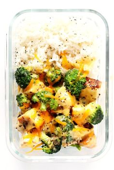 Cheesy Broccoli, Chicken and Rice Bowls are perfect for easy meal prep or weeknight dinner, they're tossed with a lightened-up garlicky cheddar cheese sauce, and they're totally savory and delicious! Feel free to serve with rice or quinoa. Lunch Meal Prep, Meal Prep Bowls, Easy Meal Prep, Healthy Meal Prep, Easy Meals, Keto Meal, Healthy Lunch Meals, Kid Meals, Healthy Breakfasts