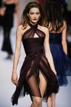 Have This Insane Bella Hadid Concept. So, I Have This Insane Bella Hadid Concept.So, I Have This Insane Bella Hadid Concept. Helena Christensen - Karl Lagerfeld Spring/Summer 1993 Jasper Conran Autumn/Winter 2009 Ready-To-Wear Collection Look Fashion, 90s Fashion, Runway Fashion, Fashion Show, Vintage Fashion, Fashion Outfits, Fashion Design, Chanel Fashion, Party Fashion