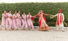 New wedding photos studio bridesmaid dresses Ideas Indian Wedding Pictures, Indian Wedding Poses, Indian Wedding Couple Photography, Pre Wedding Poses, Wedding Picture Poses, Bridal Poses, Punjabi Wedding, Photographer Wedding, Sikh Wedding