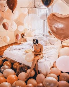 Bond Party Supplies offer the best balloon delivery and decorating service for all occasions in Miami area. Get your premium balloons same day delivery. 17th Birthday, Birthday Woman, Diy Birthday, Birthday Wishes, Happy Birthday, Birthday Girl Pictures, Birthday Photos, Tara Milk Tea, Balloons Photography