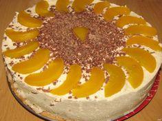 Nepečená torta s broskyňami a mascarpone krémom