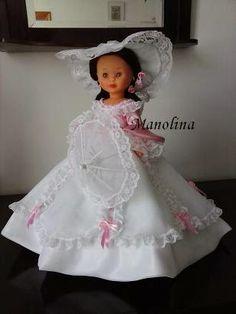 Hola a todos:     Hace mucho tiempo me propuse hacer este vestido y, cuando Famosa anunció que iba a hacer una serie dedicada a las divas ...