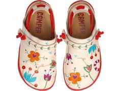 """""""Peu Camí"""" is the natural #Camper icon with its recognisable anatomical last and easy wear elastic laces."""