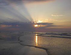 Lee and I seen this  many times.  LOVE the Hilton Head Island, sunrise....