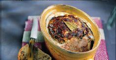 Apprenez à réaliser, avec la recette d'autrefois, un pâté de campagne avec du porc (foie, gorge, filet) de l'armagnac, des aromates.