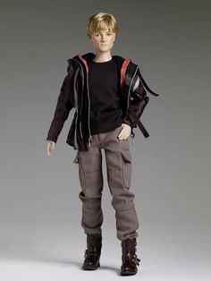 Here is your first look at the Peeta Tonner Doll. Gale and Katniss also available. Click the pic to check out the prices. I don't know that I'd want to spend that much on a doll.