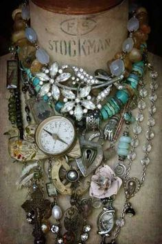 vintage jewellery compass gaudy necklace display