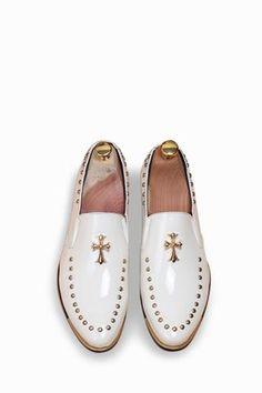 Vintage Shoes Brogue Men's Casual Patent Shoes In White - Oxford Shoes Outfit, Casual Oxford Shoes, Dress Shoes, Dress Clothes, Mens Fashion Shoes, Fashion Boots, Shoes Men, Men's Shoes, Fashion Hair