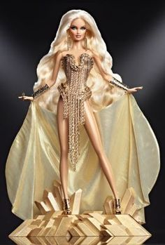 The Blonds Blond Gold Barbie Doll! Inspired by Barbie, imagined by The Blonds, the Blond Gold Barbie. Her unique doll stand is inspired by bars of bullion and creates the perfect pedestal for this golden diva. Barbie Style, Barbie Dress, Barbie Clothes, Girl Barbie, Barbie Outfits, Barbie Toys, Barbie Und Ken, Manequin, Poppy Parker