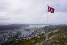 Breathtaking Bergen #digitalnomad #photooftheweek #jeffsetter #mountains #trekking #hikingadventures #seaside #lookatthatview