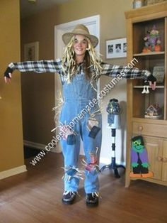DIY Scarecrow Halloween Costume Idea: This DIY Scarecrow Halloween costume idea came to me when I saw Halloween decorations.  I thought it would be different from regular costumes. This costume