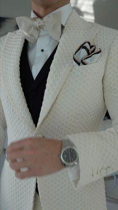 Blue Suit Men, Black Suits, Mens Fashion Blazer, Fashion Men, Fashion Looks, Fashion Trends, Slim Fit Suits, Stylish Mens Outfits, Formal Suits