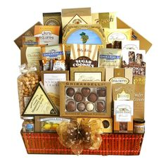 Thanksgiving Gift Basket | Sweet and Savory Snacks for Everyone ** More info could be found at the image url.