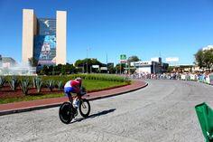 """""""Juegos Panamericanos 2011 Guadalajara"""" Ciclismo, Prueba de Velocidad, Glorieta Minerva. / """"Pan American Games 2011"""" Guadalajara, Cycling , Speed test."""