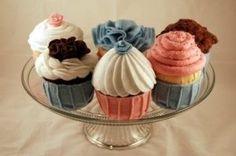 Felt cupcakes pattern