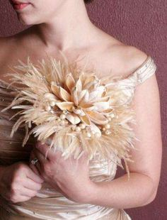Great option when traveling and cannot return with fresh flowers, Feather bouquet.