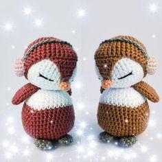 Pinguins amigos 🌺 Cristiane Fernandes 🌺 . . . #cristianefernandes #cfcriacoes #croche #meumundocraft #instacrochet #amigurumilove… Cute Crochet, Crochet Crafts, Yarn Crafts, Crochet Baby, Crochet Projects, Scarf Crochet, Crochet Afghans, Crochet Blankets, Crochet Ideas