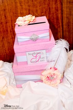 Think pink with a feminine and elegant multi-tier card box accented with sweet florals #pink #wedding #cardbox