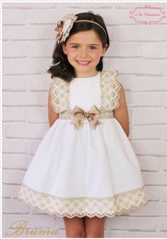 Baby Ole: Miss Clementina arrives to the UAE! Little Girl Dresses, Girls Dresses, Flower Girl Dresses, Toddler Dress, Baby Dress, Kids Frocks, Baby Sewing, Kind Mode, Little Princess