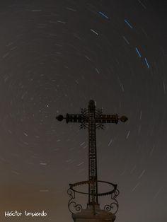 Startrails at Belchite cross by Héctor Izquierdo Bartolí on 500px