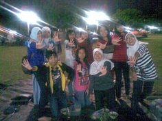me with some of ELF Magelang .. @AnindyaWE @elfmaulitaa etc♥♥