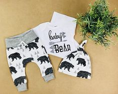 Baby boy coming home outfit/baby bear/ take home outfit/ newborn boy/organic cotton by bibitibobitiboutique on etsy Baby Bear Outfit, Baby Boy Outfits, Take Home Outfit, Coming Home Outfit, Hospital Bag Essentials, Bringing Baby Home, Baby Boy Announcement, Baby Boy Pictures, Baby Boy Fashion