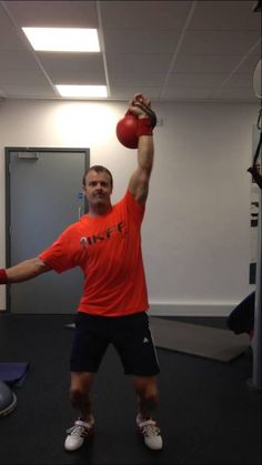 32 kg single arm jerk. One switch. RH 38 reps LH 37 reps Total 75 reps Body weight 83 kg Total poundage 2400 kg Co-efficient score Kettlebell Training, Body Weight, Season 2, Competition, Arms, Sport, Deporte, Excercise, Sports