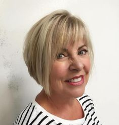 Youthful Jagged Bangs with Highlights - 20 Super-Flattering Hairstyles with Bangs for Older Women - The Trending Hairstyle Bob Hairstyles With Bangs, Bob Haircut With Bangs, Bob Haircuts For Women, Hairstyles Over 50, Short Bob Haircuts, Short Hairstyles For Women, Pretty Hairstyles, Haircut Styles, Braided Hairstyles