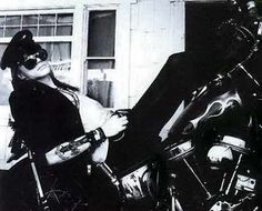 Axl Rose and mortocycles!! <3