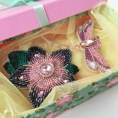 Сладкая парочка приготовилась к путешествию #brooch #accessories #броши_by_ladylyutikova #брошьназаказ