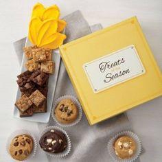 SWEET GIVEAWAY! Enter to #win Mrs. Fields cookies! #CookieCraze