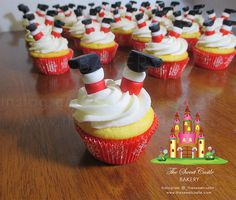 Edible Christmas Santa Claus Cupcake by TheSweetCastleBakery