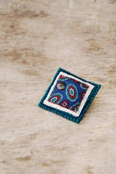 Eco friendly textile brooch. Floral teal blue and green por Mioltu, €26.00